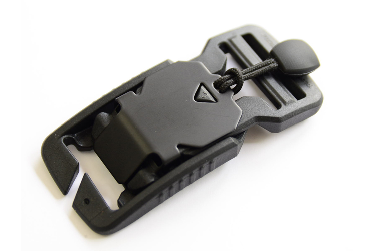V-buckle 25 split bar black flap